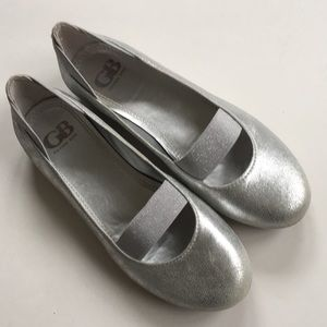 Like new Gianni Bini leather flats